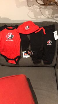 3 months, 3 piece hockey out fit Toronto, M3M 1W4