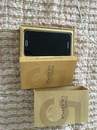 Samsung S5 unlocked with original charger and box  Toronto, M4X 0A1