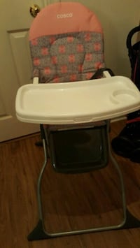 baby's white and black high chair Greenbelt, 20770