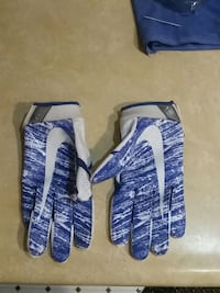 Receivers gloves for football  Portsmouth, 23701