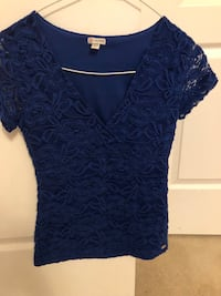 GUESS TOP SIZE XS - NEVER WORN Mississauga, L5M 0V5