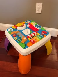 Fisher Price Laugh and Learn Around the Town Learning Table 380 mi