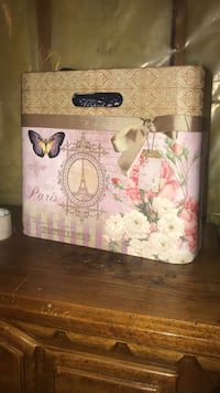 white and pink floral print box Colorado Springs, 80910