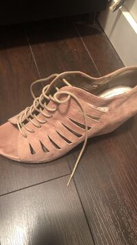 Nude heels locale brand size 9