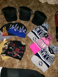 Hats and beanies Akron, 44305