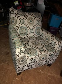 Green and cream paisley chair Cary, 27513