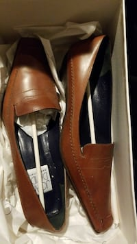 pair of brown leather loafers Annandale, 22003