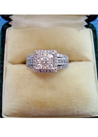 14k white gold Diamond ring size 7.5 Los Angeles, 91401