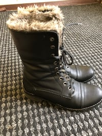 Softmoc Boots Size 7 3136 km
