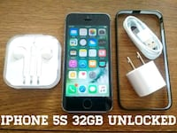 Gray Iphone 5S UNLOCKED 32GB w/ Accessories  Arlington