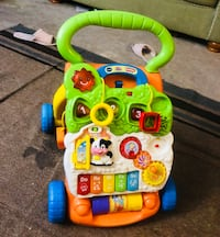 Vtech activity walker. Almost new . Songs , alphabet , no, rymhes etc.... Mc Lean, 22102