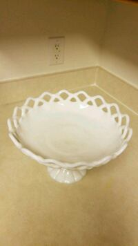 white and brown ceramic bowl Manassas Park, 20111