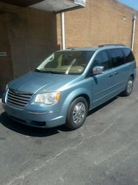 Chrysler - Town and Country - 2009 St. Louis, 63106