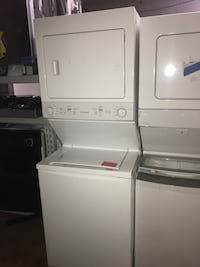 Frigidaire 27in stackable washer and gas dryer brand new 6 months war