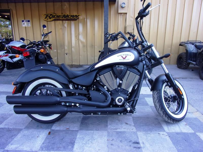 Photo 2016 Victory Motorcycles® High-Ball® Matte Black