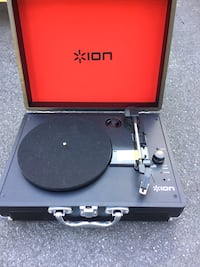Black turntable  Delson