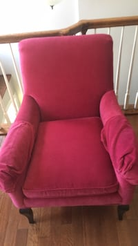 Pink velvet accent chair, excellent condition- negotiable Silver Spring, 20905