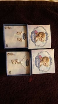 disney frozen necklace and earings Hudson, 28638