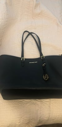 Michael Kors Large Purse  San Diego, 92115