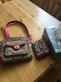 Coach Purse with matching wallet Edmonton, T6L 3W1