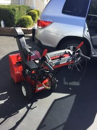 """Snow blower 24"""" Mint condition perfect condition used twice last year $499 firm .  Lindenhurst, 11757"""