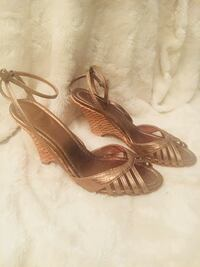 Zara 6.5 gold wedges Toronto, M6J