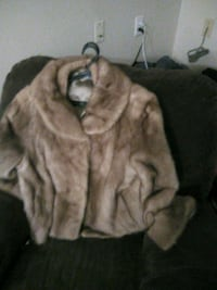 Faux fur coat with matching hat London, N6G 1E4