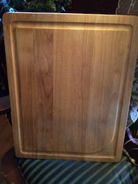 Oak cutting board.. never used London, N5Y