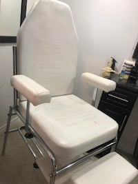 Salon Spa Bed and Pedicure Chair - $400 for both Toronto, M3H 2T5