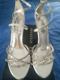 gray leather strappy open-toe ankle strap heeled sandals Ravenna, 44266