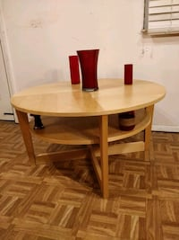 Nice wooden round table with shelf in great condit Annandale, 22003