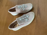 Micheal Kor Dusty Pink Loafer size 5.5