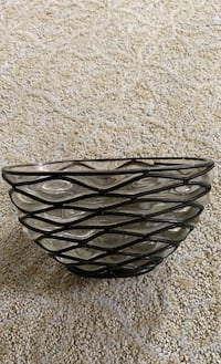 Glass bowl wrapped in woven metal  Chantilly, 20152