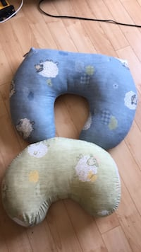 two blue and gray neck pillows Québec, G2G 1M3