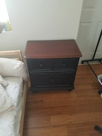 Nightstand/small dresser  Baltimore, 21224