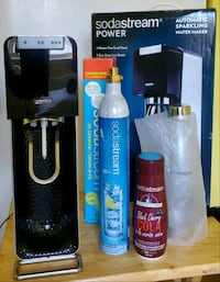 "Sodastream ""Power"" like new in the box! With extras"