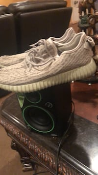 pair of gray Adidas Yeezy Boost 350 Suitland, 20746