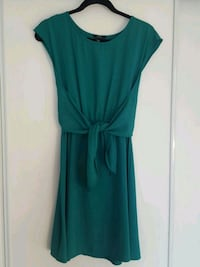 women's green sleeveless dress xs Toronto, M6L 2M9