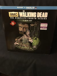 AMC's The Walking Dead The Complete Fourth Season Collectors Tree Zombie Display case