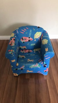 blue and red floral print armchair Calgary, T2Y 0B9