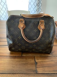Authentic Louis Vuitton small bag Yulee, 32097