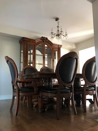 Dinning room set  Mississauga, L4W