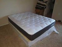 tufted white and black mattress Port Arthur, 77642