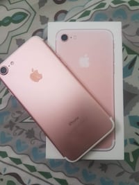 Rose gold iPhone 7 128gb Vancouver, V5S 1K3