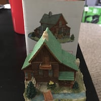 "Liberty Falls Trapper "" Big Mike's"" Cabin figurine Milwaukee, 53214"