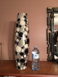 Tall retro vase, really nice . ..8$ obo Barrie, L4N 9M7