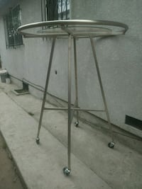 Round Clothing Rack With Glass Top Los Angeles, 90003