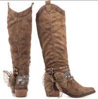 Not rated taupe high heeled boots size 8 El Paso, 79905