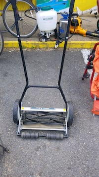 black and red reel mower Fredericksburg, 22405