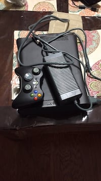 Xbox 360 125 GB perfect condition Hagerstown, 21740